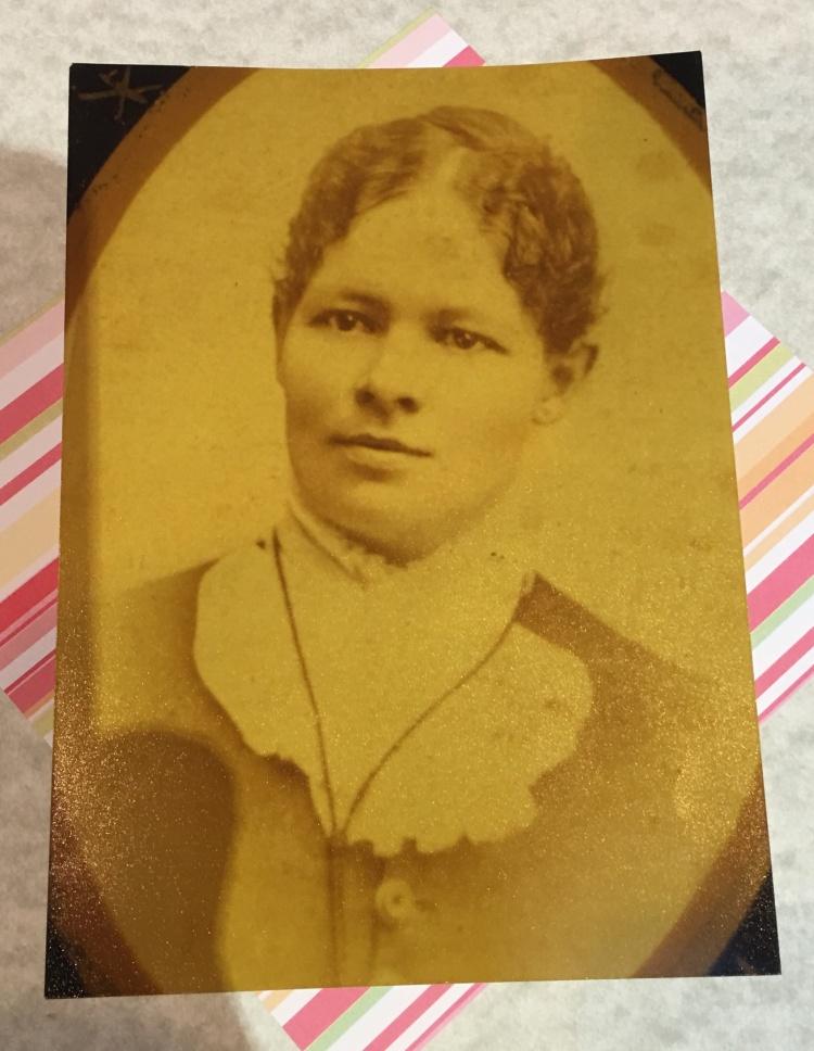 Dr. Sarah larkin Beardsley